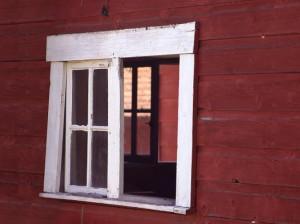 barn-window-650x487